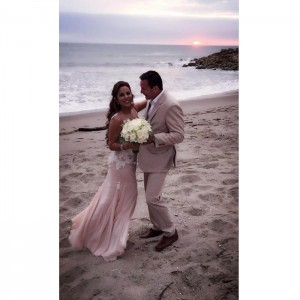 wedding beach ecuador